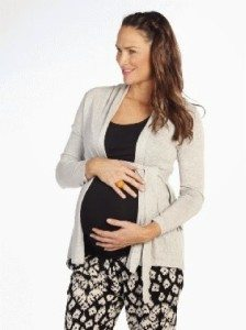 Maternity Style for Autumn and Winter - lovefrommim.com Heavenly Bump Angel Maternity Fall Maternity Fashion Autumn Maternity Fashion