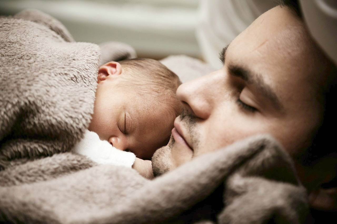 Father's Day Gift Ideas for New Dads - lovefrommim.com Fathers Day Gift Ideas Fathers Day Gifts