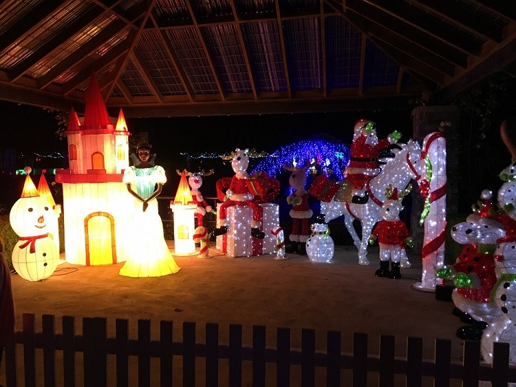 Hunter Valley Gardens Christmas Lights Review - Love from Mim