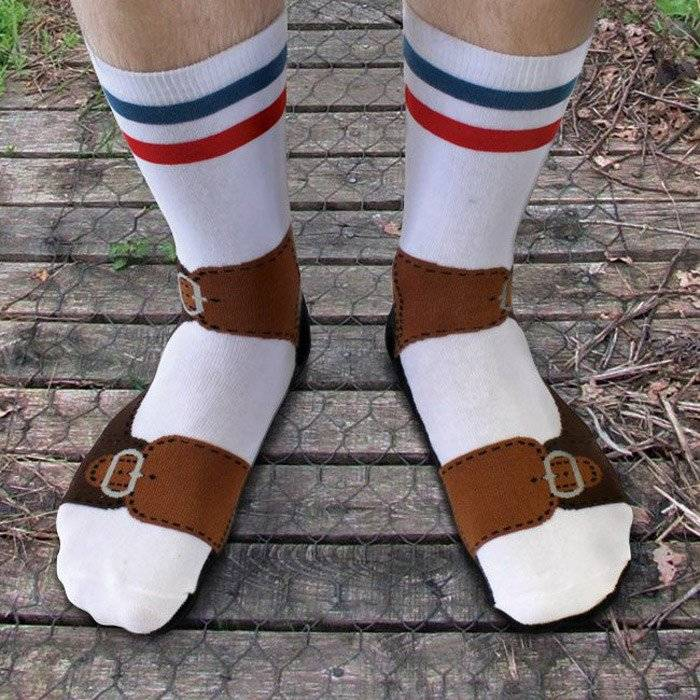 Christmas Gift Ideas for Dads + win a $150 Gift Card! lovefrommim.com Love from Mim Yellow Octopus Sandal Socks