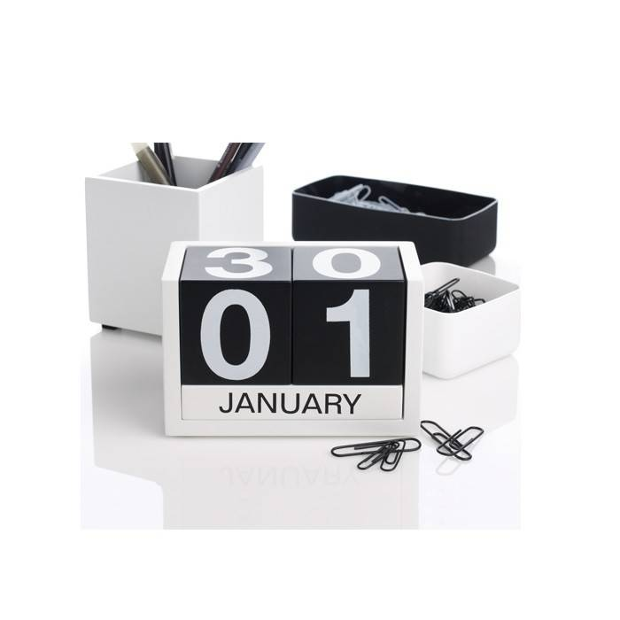 Christmas Gift Ideas for Dads + win a $150 Gift Card! lovefrommim.com Love from Mim Yellow Octopus Adjustable Block Calendar