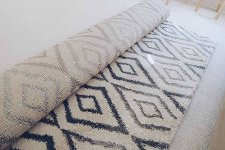 Carpet Call Ebony Rug Review - Love from Mim