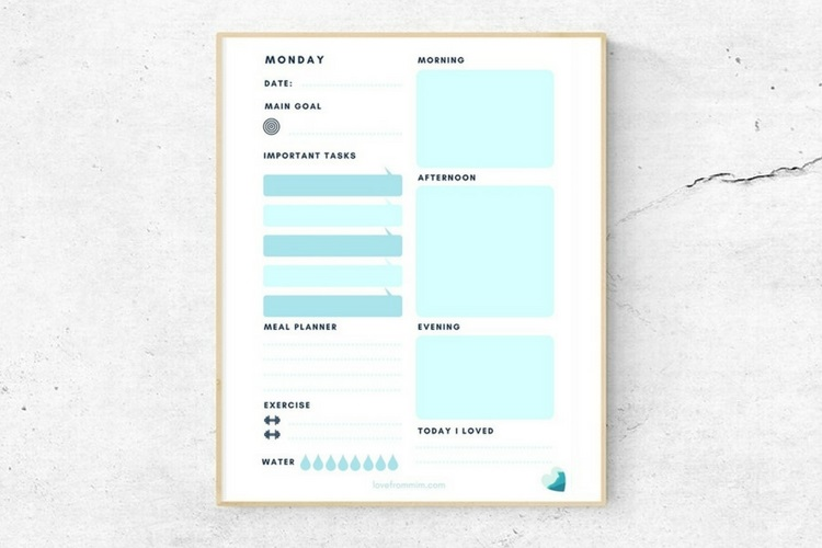 How to Plan your Week + FREE Weekly Planner!