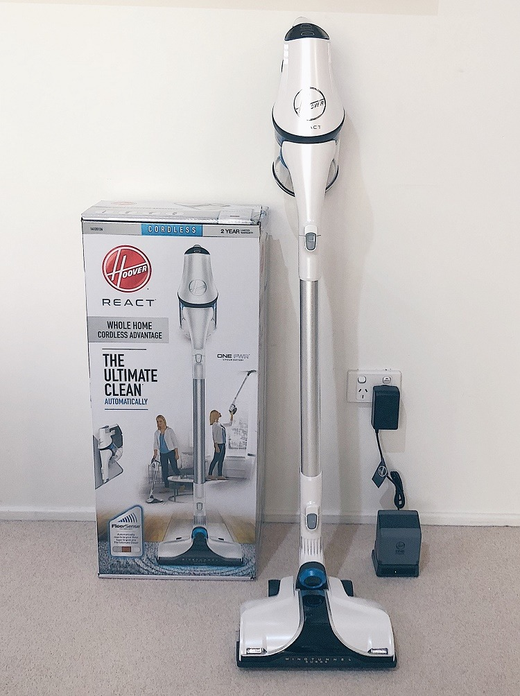 Looking for the best vaccuum cleaner? Check out my Hoover React Cordless Advantage Vacuum Review - Love from Mim It's a great handheld vaccum, car vaccuum and more! #bestvacuumcleaners #vacuumreview #hoover #hooverreact #hooverreviews