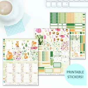 This Printable Forest Foxes Full Weekly Kit has everything you need to decorate your Erin Condren LifePlanner! Whether you're a no white space planner or not, you have such much choice in this digital printables sticker kit. Perfect if you love cute fox designs.