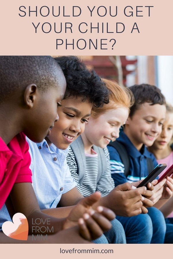 Children and mobile phones - should you get your child their own phone? Plus, the best mobile deals for kids from Amaysim #lovefrommim #childrenandmobilephones #kidsphone #kidscellphone #kidsmobilephone #bestkidsphone #parentingdilemma